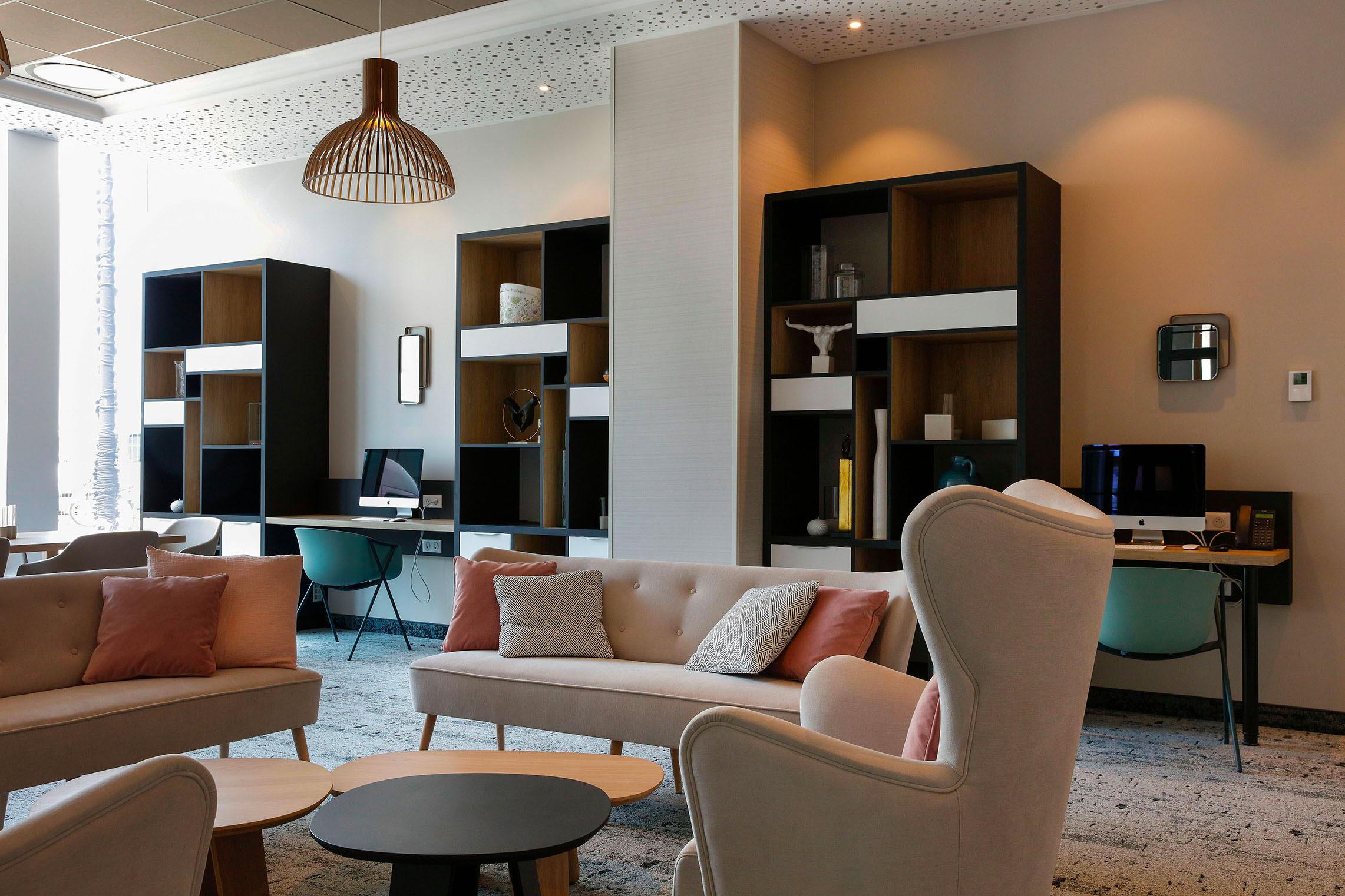 Hilton Garden Inn Bordeaux Centre - Lobby Bar- Footer