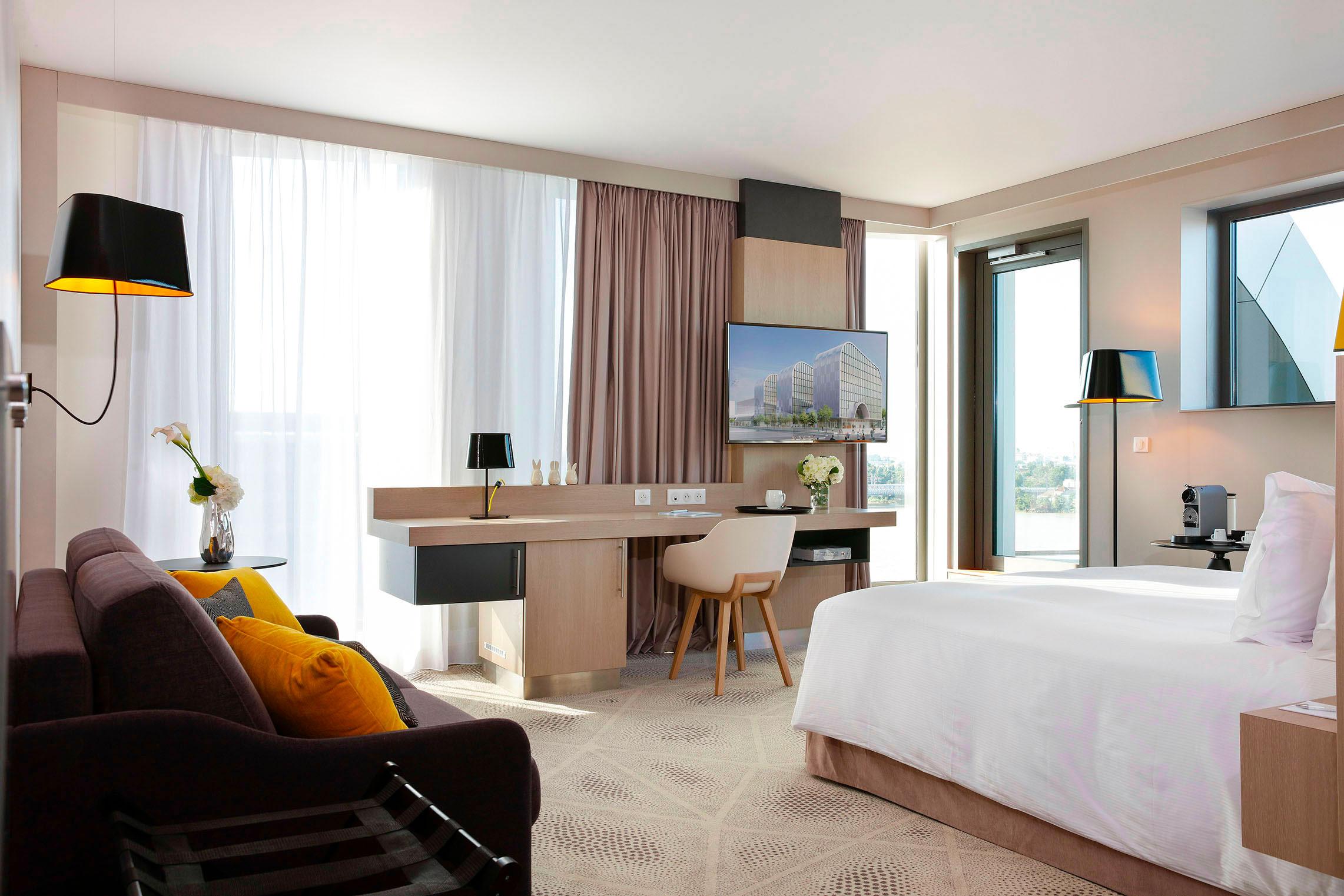Hilton Garden Inn Bordeaux Centre - Suite Junior avec Terrasse - Vue d'ensemble - Nuit romantique Bordeaux