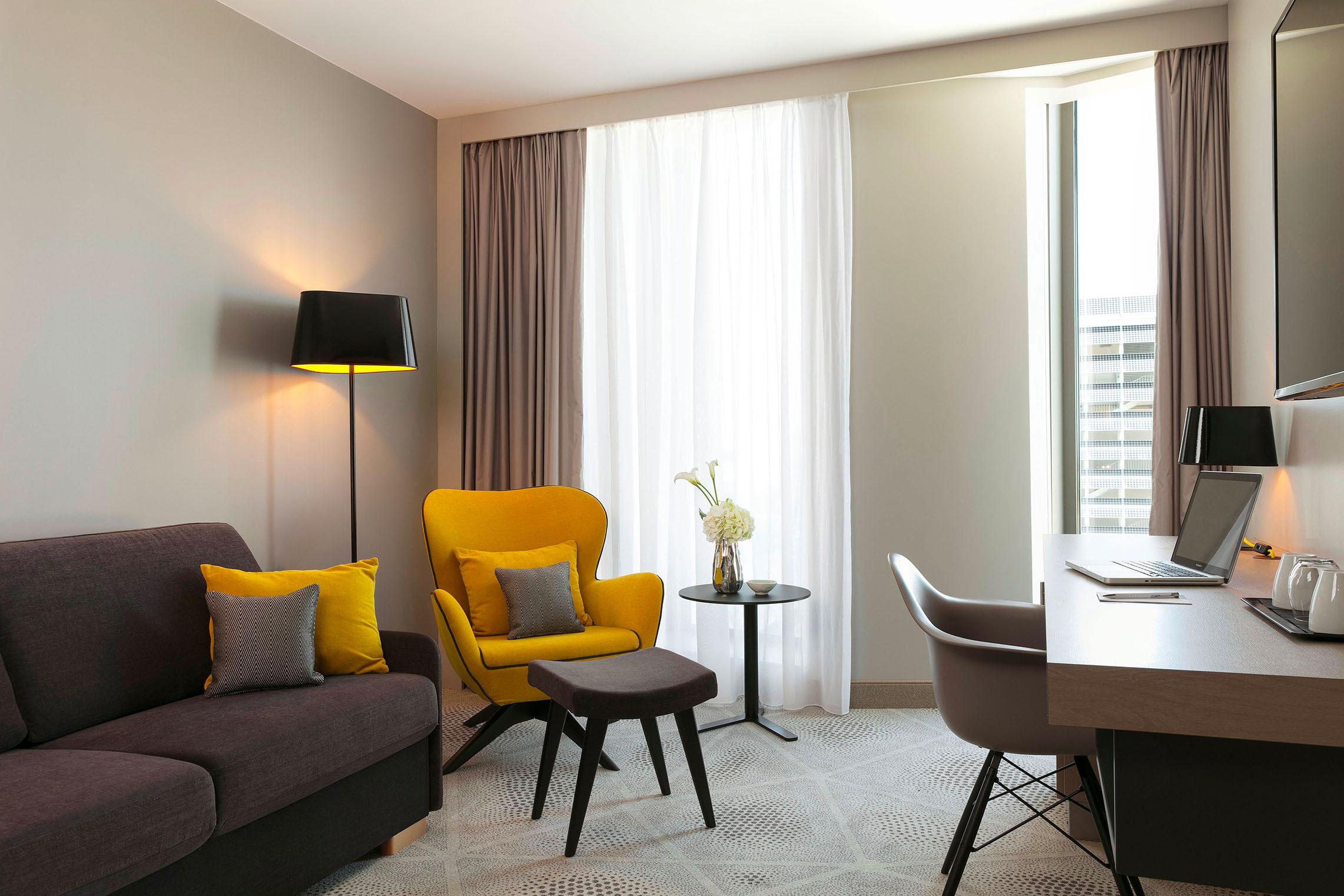 Hilton Garden Inn Bordeaux Centre - Suite Familiale - Côté Salon